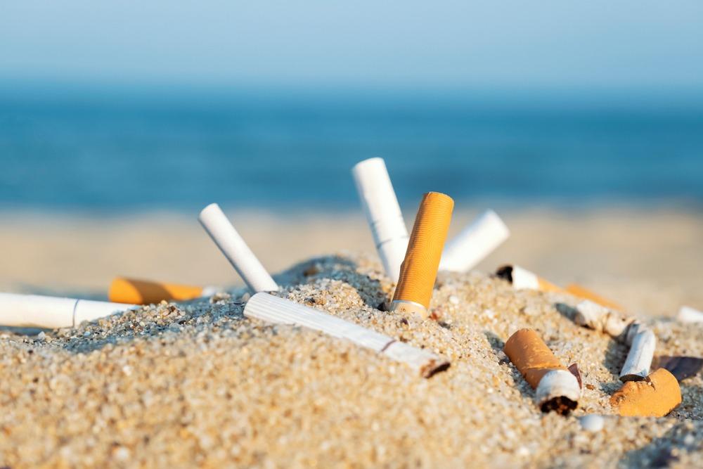 Bitucas de cigarro x poluição